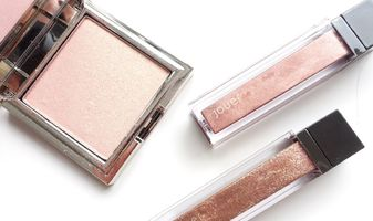 Jouer Cosmetics Rose Gold Powder highlighter & lip topper