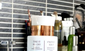 Debbie's favorieten - Charlotte Tilbury Take it all off Genius eye make-up remover