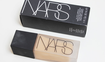 Foundation review - NARS All day luminous weightless foundation