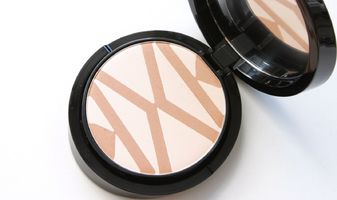 Giorgio Armani Sepia highlighting & contouring face palette