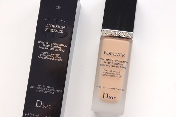 foundation review dior forever fluid foundation spf 35 beautyscene. Black Bedroom Furniture Sets. Home Design Ideas