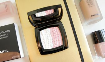 Chanel Perles et Fantaisies Illuminating Powder (online exclusive)