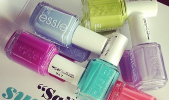 Essie Naughty Nautical - sail into summer chic - review & swatches