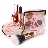 MAC Cosmetics & Rihanna make-up collecties in 2013 aangekondigd