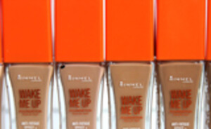 Rimmel London Wake up foundation review & swatches