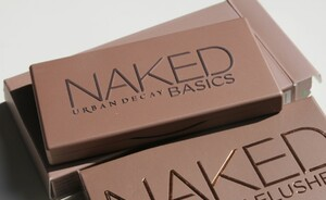 Urban Decay Naked Basics & Flushed - Swatches en look