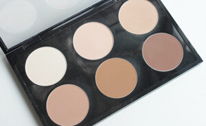 Mijn MAC Sculpting & Shaping powder palette - swatches