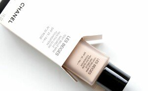 Foundation review - Les Beiges de Chanel Healthy Glow Foundation SPF25