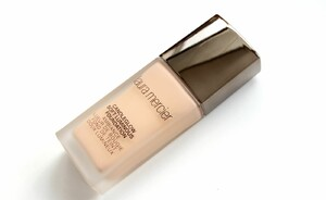 Foundation review - Laura Mercier Candleglow Soft Luminous Foundation