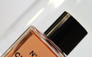 Needful things : Chanel No.5 Intense bath oil