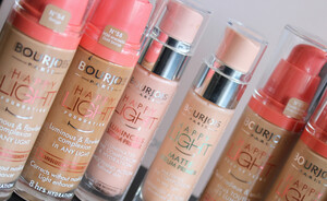 Bourjois Happy Light foundation, primer en concealer - Vivianne's review