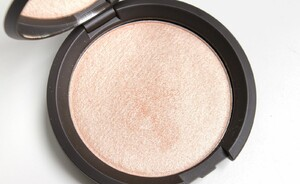 Becca & Jaclyn Hill Shimmering Skin Perfector Pressed Champagne Pop