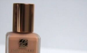 REVIEW: Estee Lauder double wear stay in place Foundation