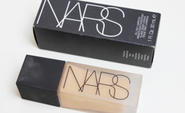 /ckfinder/userfiles/images/Beautyscene/Artikelen/April%202015/010415/NARS-all-day-luminous-foundation-review-thumb.jpg