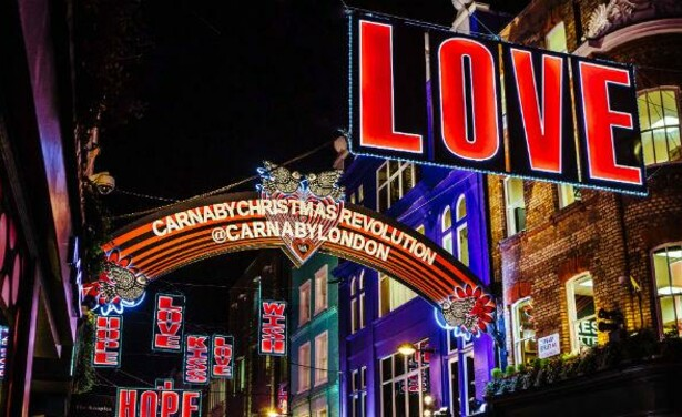 /ckfinder/userfiles/images/Beautyscene/Artikelen/December%202016/071216/carnaby-christmas-lights_carnaby-christmas-lights-2016_92bc1d7be404673890f3508340408620.jpg