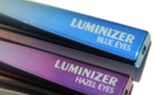 /ckfinder/userfiles/images/Beautyscene/Artikelen/Juli 2011/040711/super-liner-luminizer-review-thumb.jpg