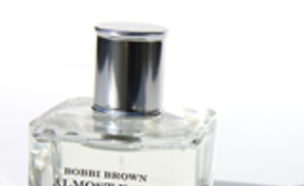 /ckfinder/userfiles/images/Beautyscene/Artikelen/Juli 2011/250711/Bobbi-Brown-almost-bare-review-thumb.jpg