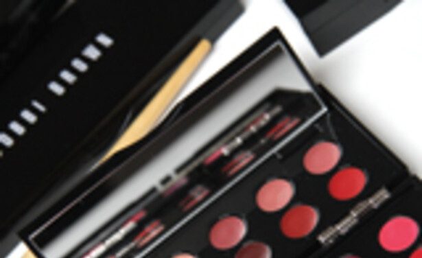 /ckfinder/userfiles/images/Beautyscene/Artikelen/Oktober%202011/261011/20th-ann-lip-palette-review-thumb.jpg